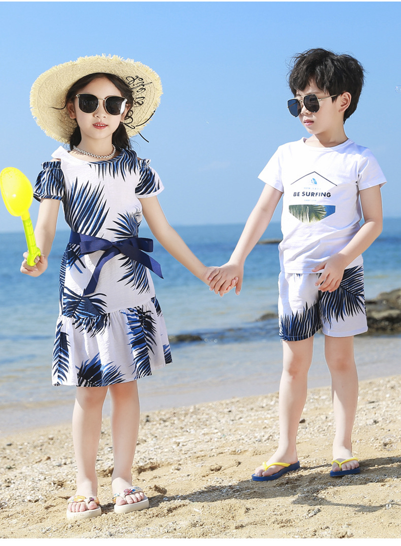 Ha86d7552f22044928f6c74ee84659d27A - Summer Family Matching Outfits Mother Daughter Beach Vocation Dresses Summer Dad Son T-shirt+Shorts Couples Matching Clothing