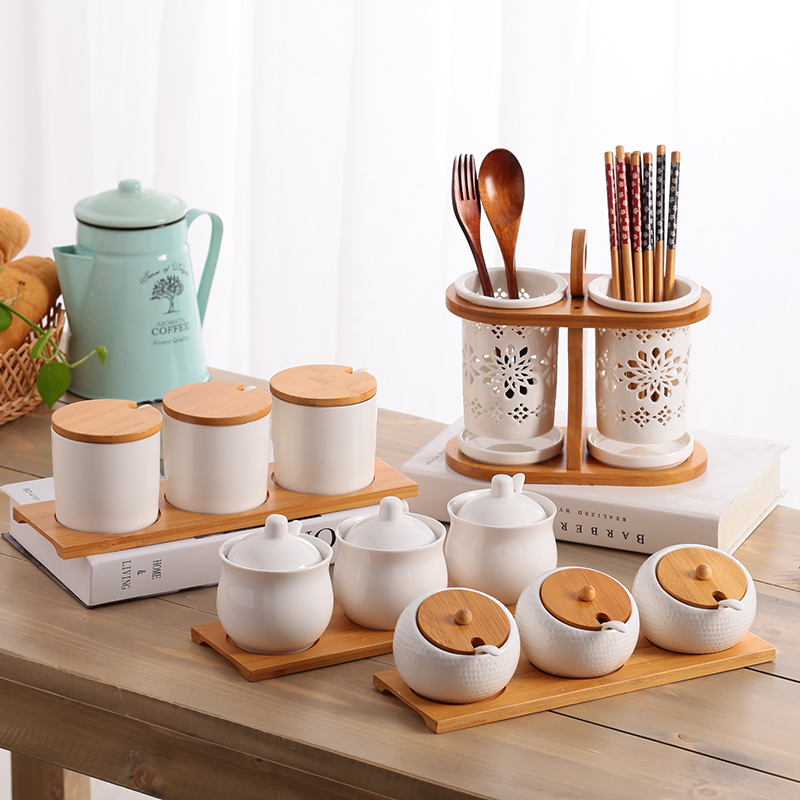 Ceramic Condiment Storage Jar salt shaker ceramic wood cover seasoning jar olive oil bottle sugar bowl Kitchen Seasoning Tank