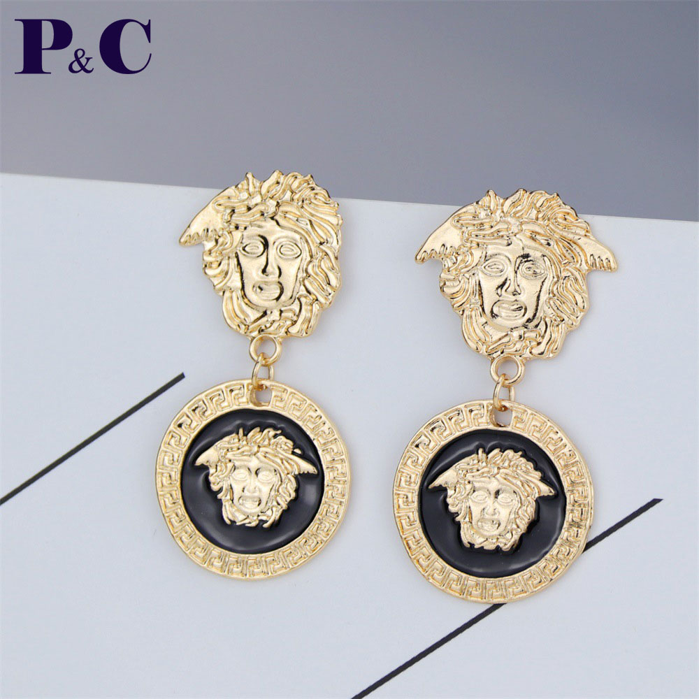 Europe And America  Fashion New Golden Queen Medusa Bright Gold Stud Earrings Creative Earrings