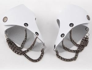 Image 4 - אופנה גברים נשים היפ הופ שאינו מהזרם המרכזי חצי אצבע כפפות שרשרת טבעת אמיתי עור פאנק מסמרת כפפות טבעות R1593