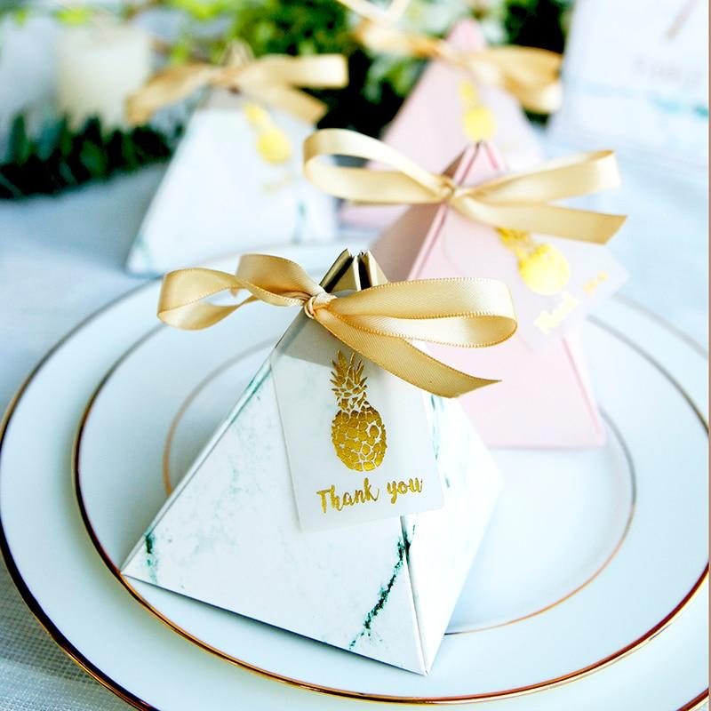 100 pièces pyramide triangulaire boîte à bonbons bonbons emballage Carton boîte de cadeau de mariage événement fête fournitures faveurs de mariage avec carte de remerciement