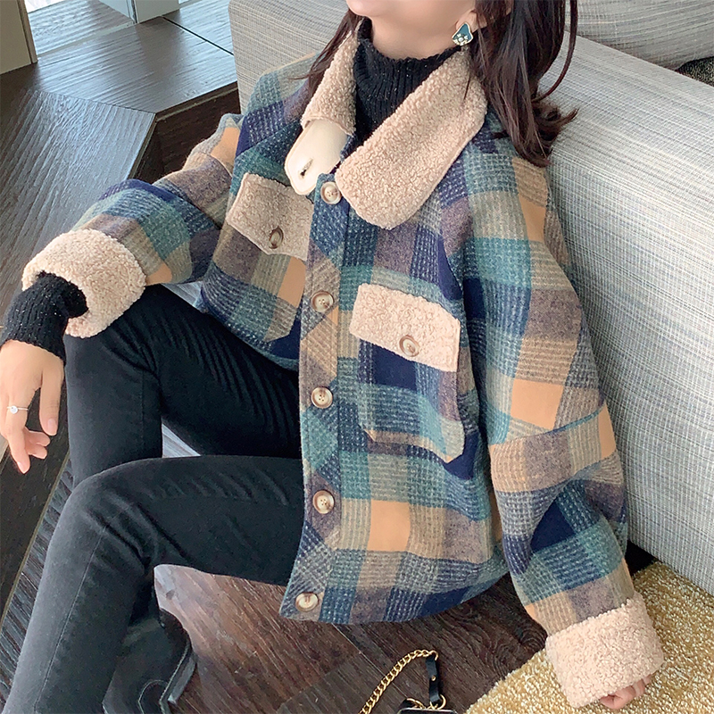 Mishow 2019 Winter Vintage Green Plaid Jacket Women Fashion Lapel Single Breasted Long Sleeve Thick Coat Tops MX19D9549
