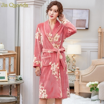 Pink Bathrobe Women Winter Floral Velvet Kimono Long Sleeves Elegant Housecoat Quality Skin-friendly Island Velvet Ladies Kimono