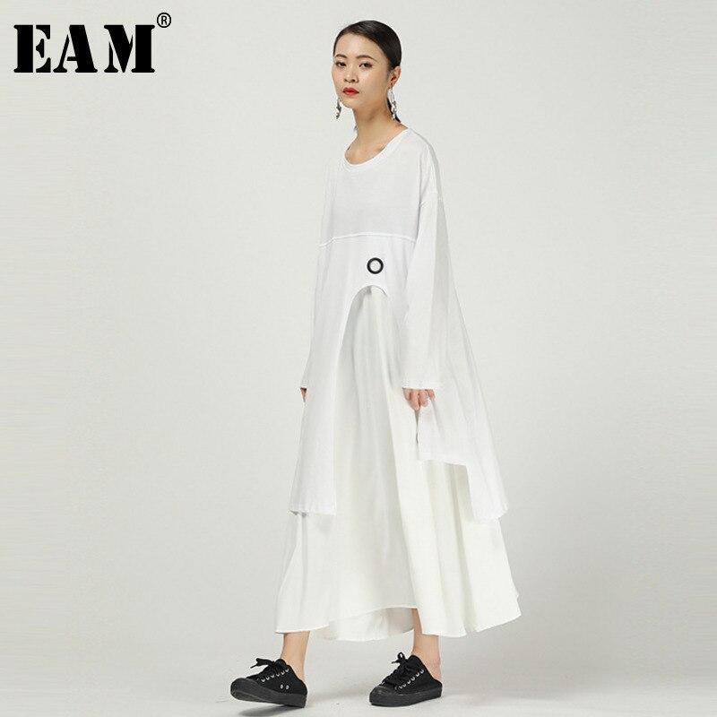 [EAM] Women White Asymmetrical Pleaed Big Size Dress New Round Neck Long Sleeve Loose Fit Fashion Tide Spring Autumn 2020 1R054