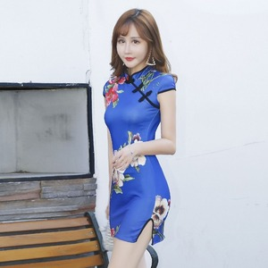 2020 new Chinese style stretch thin side split super short wrap buttock cheongsam sexy and lovely style outfits for women