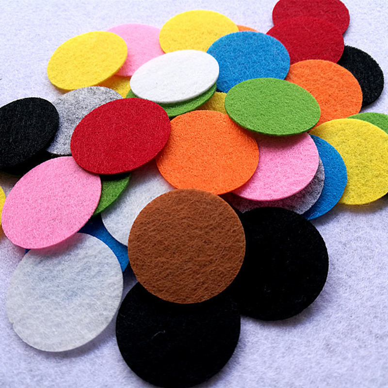 200pcs 30mm Colorful Round Felt Fabric Pads Nonwoven Circle Felts For Sewing Dolls Accessory Scrapbook Decor Sticker Craft Patch