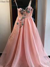 Розовое вечернее платье из тюля с цветочным узором на одно плечо