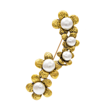 YoungTulip 2 color choose flower shape brooch for women simple style pin fashion pearl brooches gold color elegant brooch gift cmajor flower shaped brooch with pearl jewelry silver gold color brooches for women
