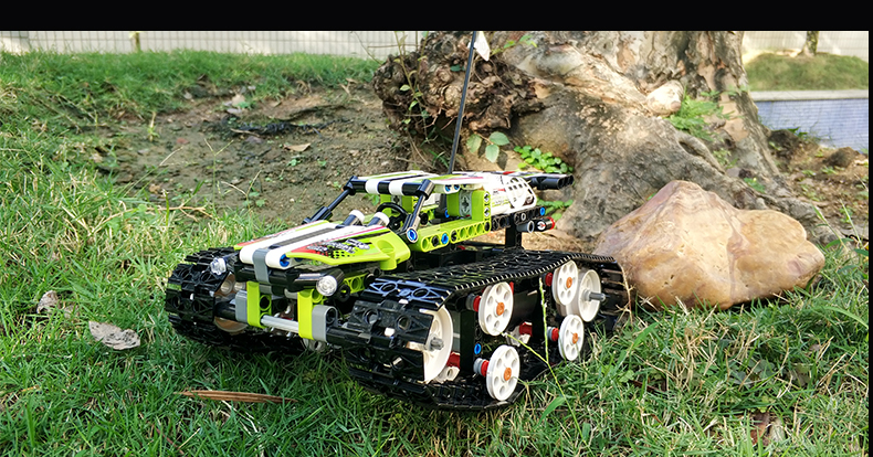 MOULD KING Crawler RC Tracked Racer Compatible 42065 MOC 13023 13024 Building Block 15