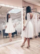 Nowoczesne krótkie sukienki Arabric Jewel Neck Backless kolano długość suknie ślubne na plażę prosty zamek ogrodowy Vestidoe De tanie tanio NoEnName_Null Zapiekanka Bez rękawów NYLON -Line Celebrity sukienki Satyna Z płaszczem Na krzyż
