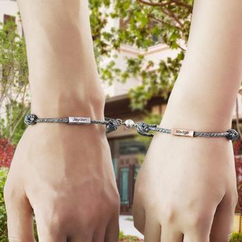 1 para nazwa własna bransoletka zastaw wiecznej miłości magnes przyciąga się nawzajem bransoleta ze stali nierdzewnej pary mężczyzn i kobiet tanie i dobre opinie CHITCHAT STAINLESS STEEL CN (pochodzenie) NAME MIŁOŚNICY Bransoletki Charms C-B154 Łańcuszek typu kord Brak Personalizowane bransoletki