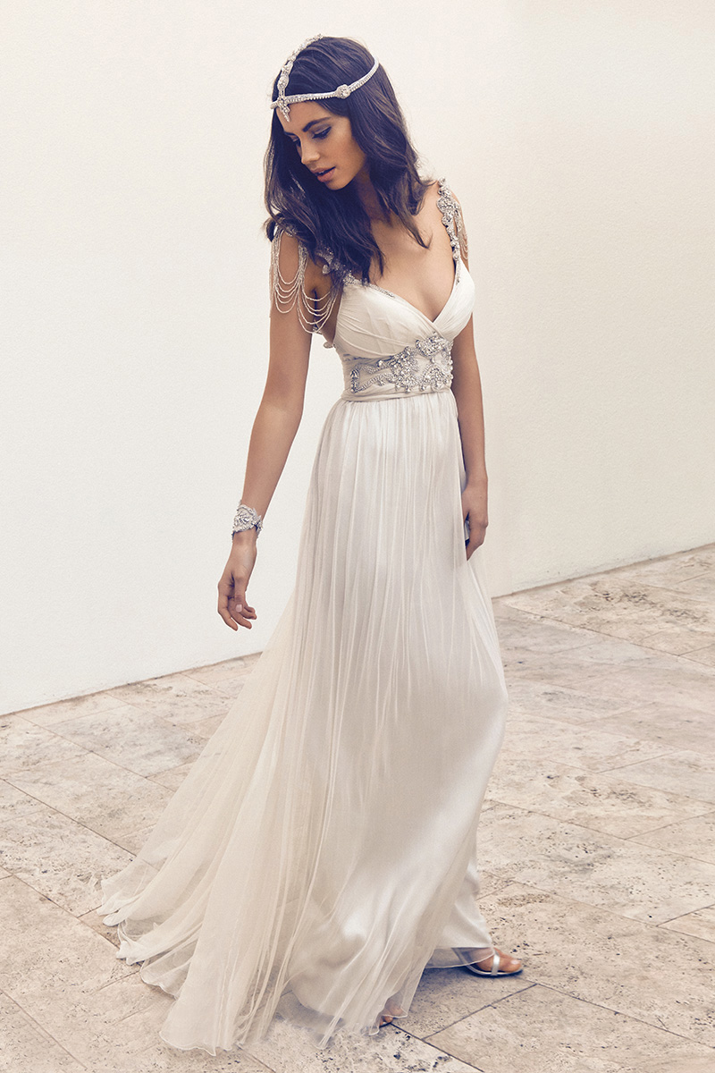 2018 Luxury Beading Beach Bridal Gown Vestido De Noiva Robe De Mariage Vintage Sexy Off The Shoulder Mother Of The Bride Dresses