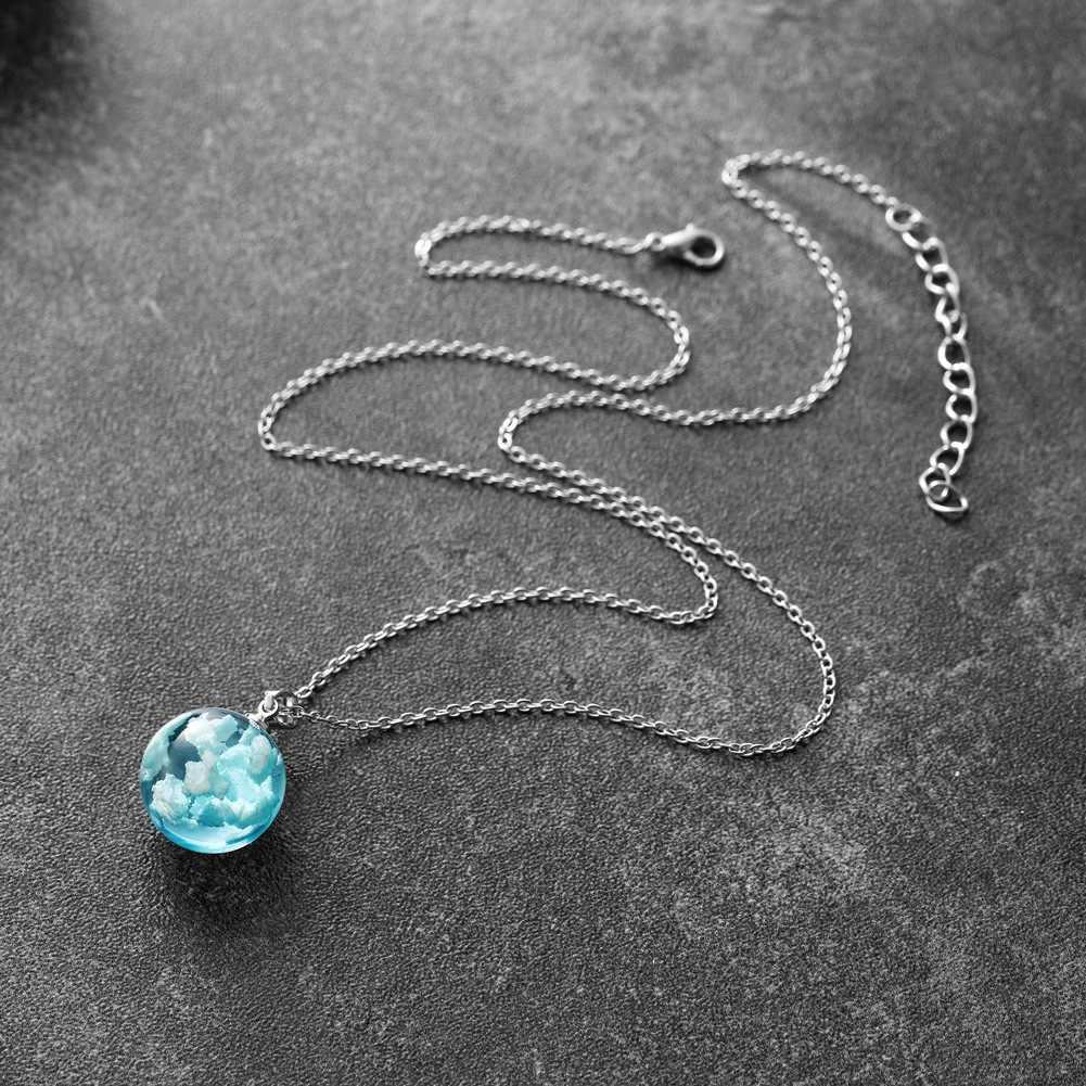 Chic Resin Rould Bola Moon Pendant Kalung Wanita Biru Langit Awan Putih Rantai Kalung Fashion Perhiasan Hadiah untuk Gadis