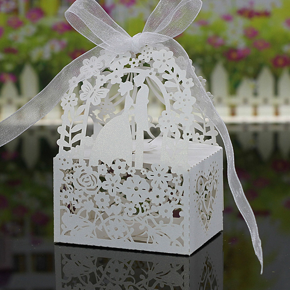 20pcs Romantic Laser Cut Wedding Candy Box Bride Groom Carved Pattern Wedding Box Gift Box Pearl Paper Hollow Out Wedding Favor