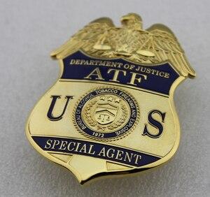 Image 5 - クラシック Atf 司法省特別捜査局のアルコールタバコ銃器や爆発、レプリカムービープロップピンバッジ