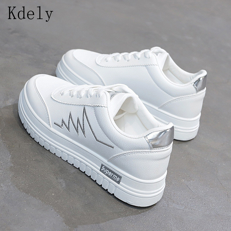 Women Casual Shoes 2019 New Women Sneakers Fashion Breathable PU Leather Platform White Women Shoes Soft Footwears Plus Size 40