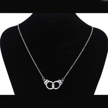 Новинка, оригинальные наручники, металлическая цепочка, длинная цепочка, очаровательное простое ожерелье, осень и зима, женские и мужские ювелирные изделия, подарки