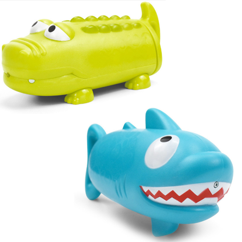 2PCS Shark Crocodile Water gun Water pistol Lovely Cartoon animal Toy gun Summer toys swimming Bathing Beach