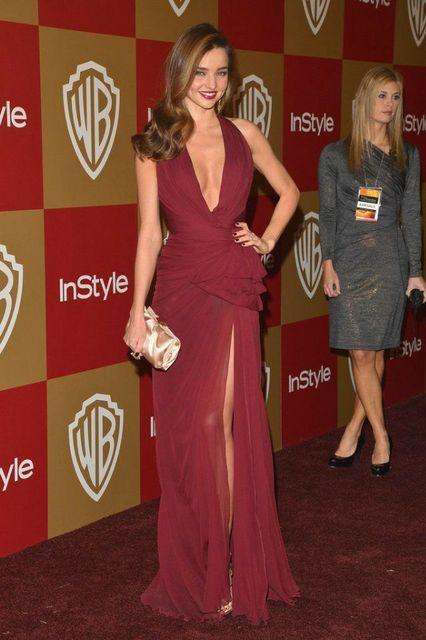 Long Chiffon V-Neck Burgundy Mirand Kerr Celebrity Inspiration Dress with Slit A-Line Robe De Soiree Floor Length Formal Dresses