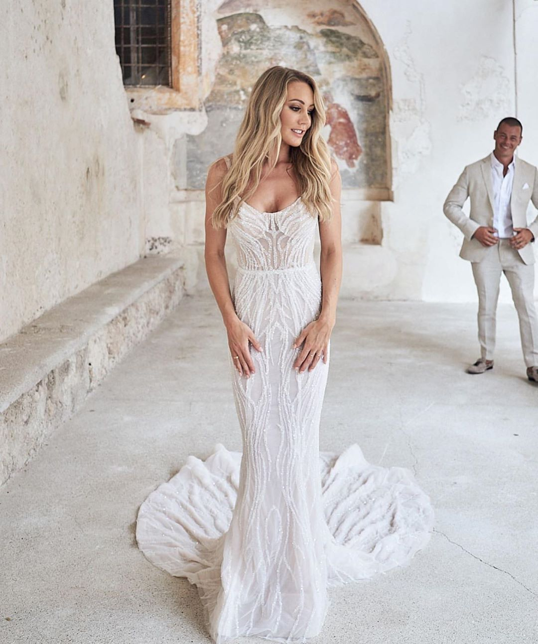 2020 Wedding Dress Mermaid Scoop Neckline Beadings Lace Zipper Back With Buttons Tranparent Top Eslieb HA137
