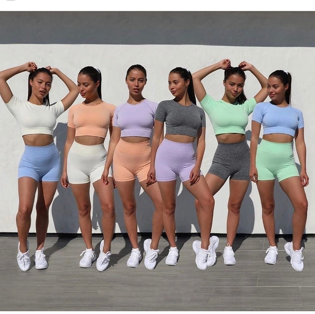 Activewear נשים 2PCS חלקה כושר בגדי ספורט חליפת יבול למעלה חולצה ספורט מכנסיים אימון תלבושת כושר ללבוש יוגה כושר סטים