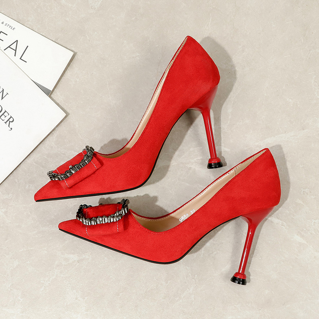 2020 Women 6cm 9cm High Heels Suede Fetish Party Pumps Lady Scarpins Metal Buckle Red Kitten Low Heels Sexy black Office Shoes