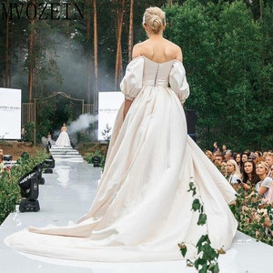 Image 4 - VINTAGE 2019 ชุดซาตินชุดเจ้าสาวปิดไหล่แขนยาวมือประดับด้วยลูกปัดชุด Robe de mariage