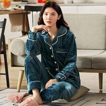 Осенне зимняя фланелевая теплая и утепленная женская пижама