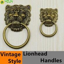 Estilo Vintage cabeza de león de bronce perilla para cajón de gabinete tirador de bronce envejecido armario manija de la puerta anillos gota albóndiga grande perillas