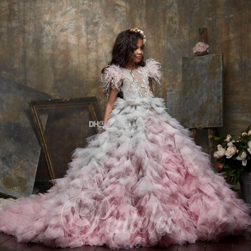 Vestido de Baile Vestidos da Menina Flor para o Casamento Ombre Penas Frisado Bateau Pescoço Appliqued Criança Pageant Vestidos Tule Crianças Baile 2020