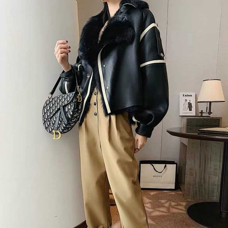 Double-Faced Fur Women Coats 2019 Winter Fashion Natural Sheepskin And Fur Outwear Merino Sheep Fur Warm And Thick