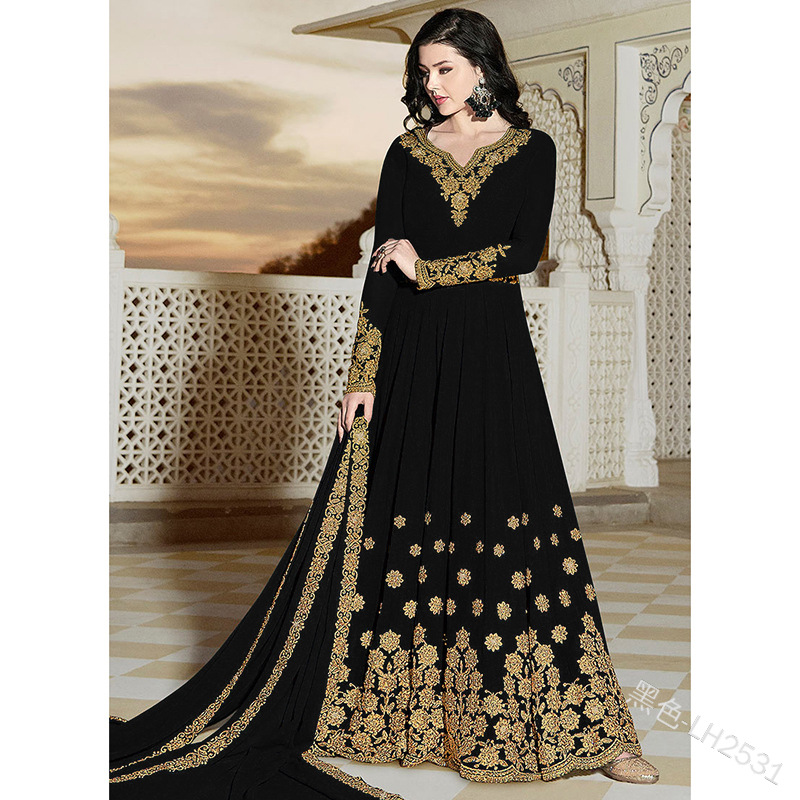 Fashionable Long Embroidered Party Gown
