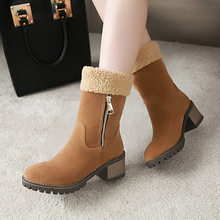 Plus Size 34-43 Women Plush Snow Boots Ladies Winter Flock Shoes Flock Warm Boots Wool Boots Short Bootie Slip-On Outside Botas