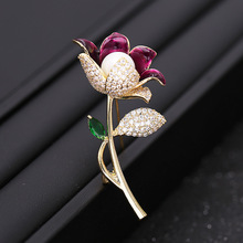 2019 new Japanese and Korean Painted Rose Blossom High-grade Brooch for women Temperament Simple Pin Pearl Retro Accessories
