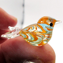 Custom new handmade mini Hook wire feather design glass bird figurine Easter lovely small animal ornament home decor accessories