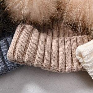 Image 5 - Winter Echtpelz Ball Beanie Hut für Frauen Damen Flauschigen Doppel Natürliche Waschbären Pelz Pom Pom Skullies Beanie Hut Mit 2 fell Pompon