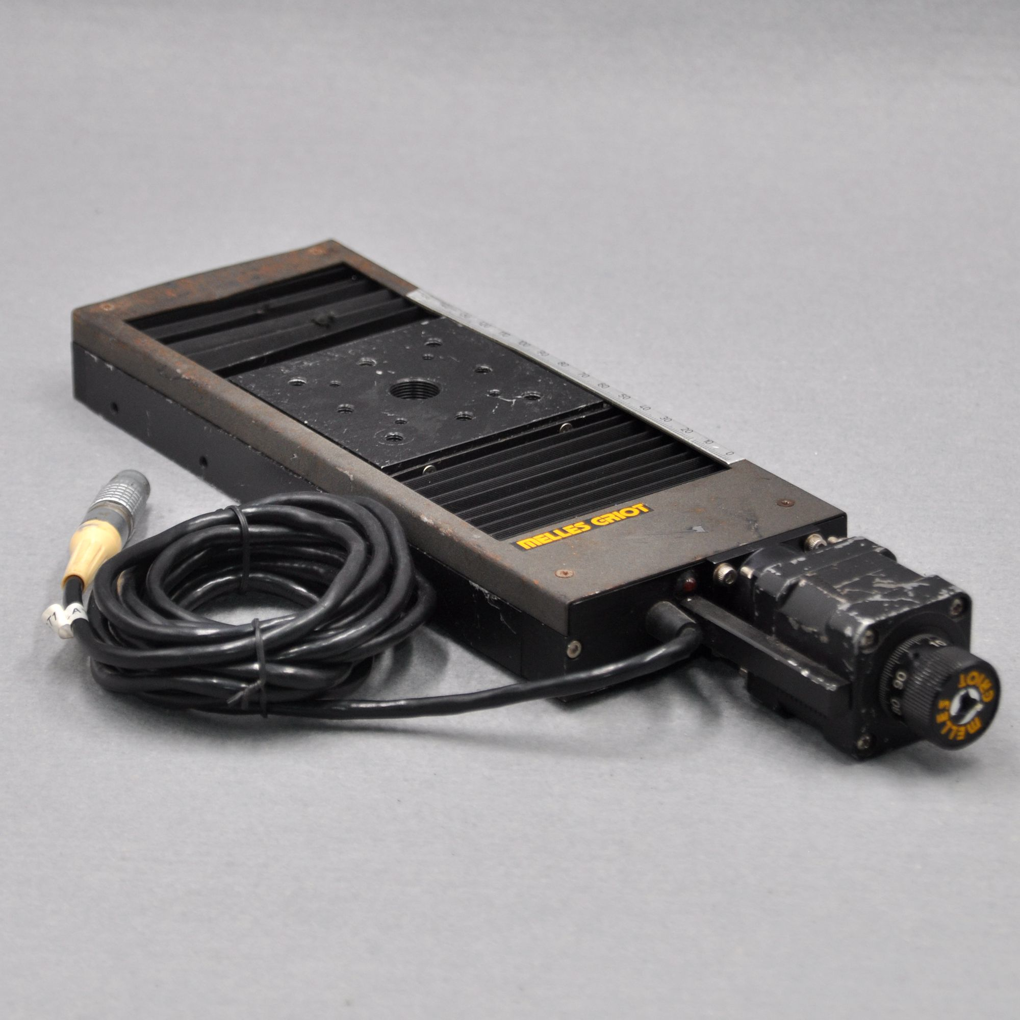 MELLES GRIOT Optical Precision Fine-tuning Horizontal Displacement Slide 80 * 80mm Stroke Plus Or Minus 105mm