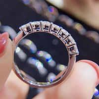 Klassische 18K Weiß Gold Stellvertreter ring DF farbe Moissanite ring Labor diamant partei schmuck Hochzeit Jahrestag Ring