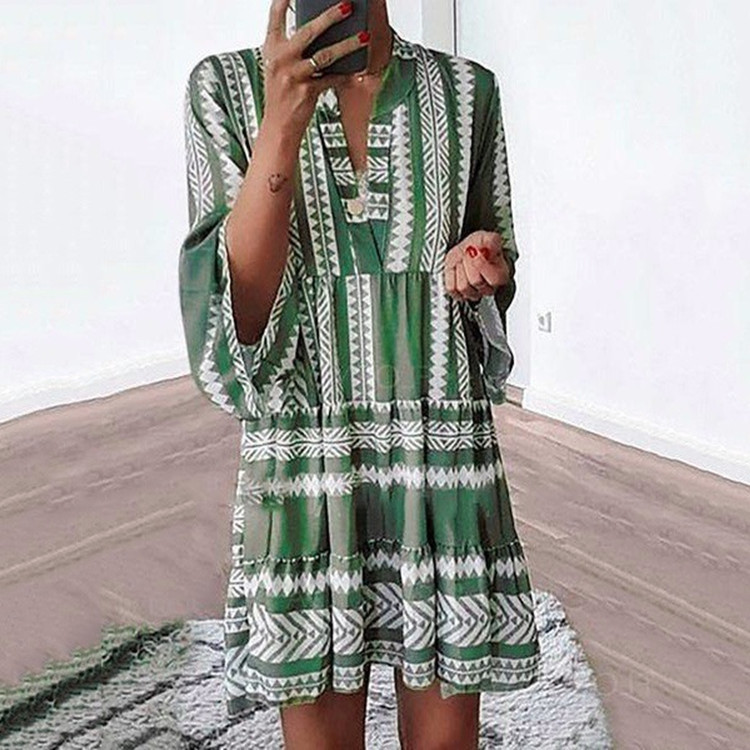 Dress summer 2021 new printed dress loose fashion v-neck chiffon pleated skirt