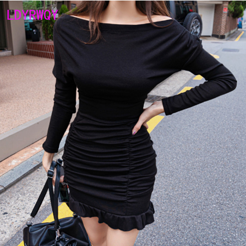 2019 autumn and winter new Korean version of the temperament word collar Slim pleated bag hip knit bottoming dress female