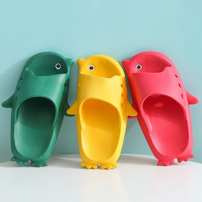 2020 Children's Slippers Summer Kids Home Flip Flops Parent-child Sandals Slippers Cute Penguin Non-slip Bathroom Baby Slippers