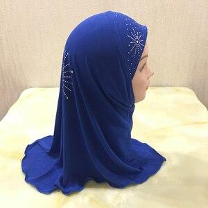 Image 5 - 2 7 歳の少女クリスタル麻女の子ヘッドスカーフイスラム教徒 Hijabs キャップ美しいダイヤモンドひまわりインスタント Hijabs 女の子