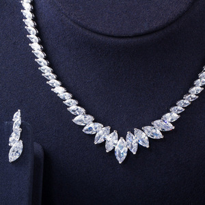 Image 2 - Pera Fashion Marquise Cut Clean White CZ Zirconia Wedding Leaf Drop Necklace Earrings Set for Brides Bridesmaids Jewelry J316