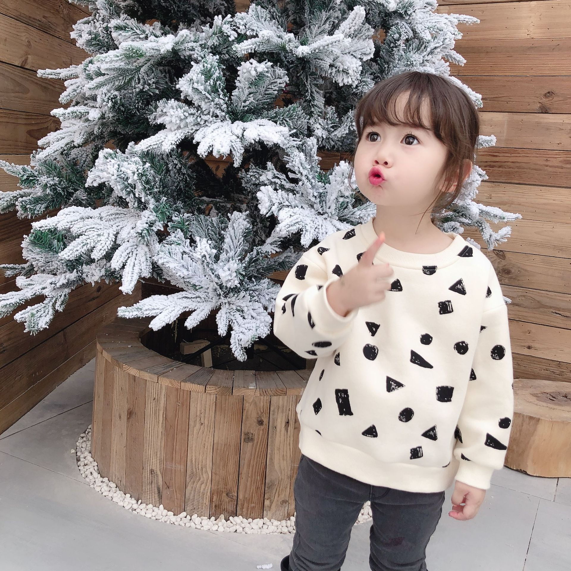 Fall Toddler Girl Tops And Winter New Boys And Girls Pullover Black Square Graffiti Guard Top Neutral Style Boys T Shirt
