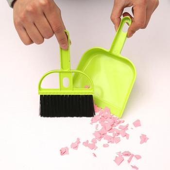 Mini Desktop Sweep szczotka do czyszczenia mała miotła zestaw ze zmiotką urządzenie do mycia podłogi szczotka do kurzu na artykuły domowe gorąca cena hurtowa tanie i dobre opinie Szczotka ręczna i szufelka Domu Plastikowe drutu Z tworzywa sztucznego Small broom*1