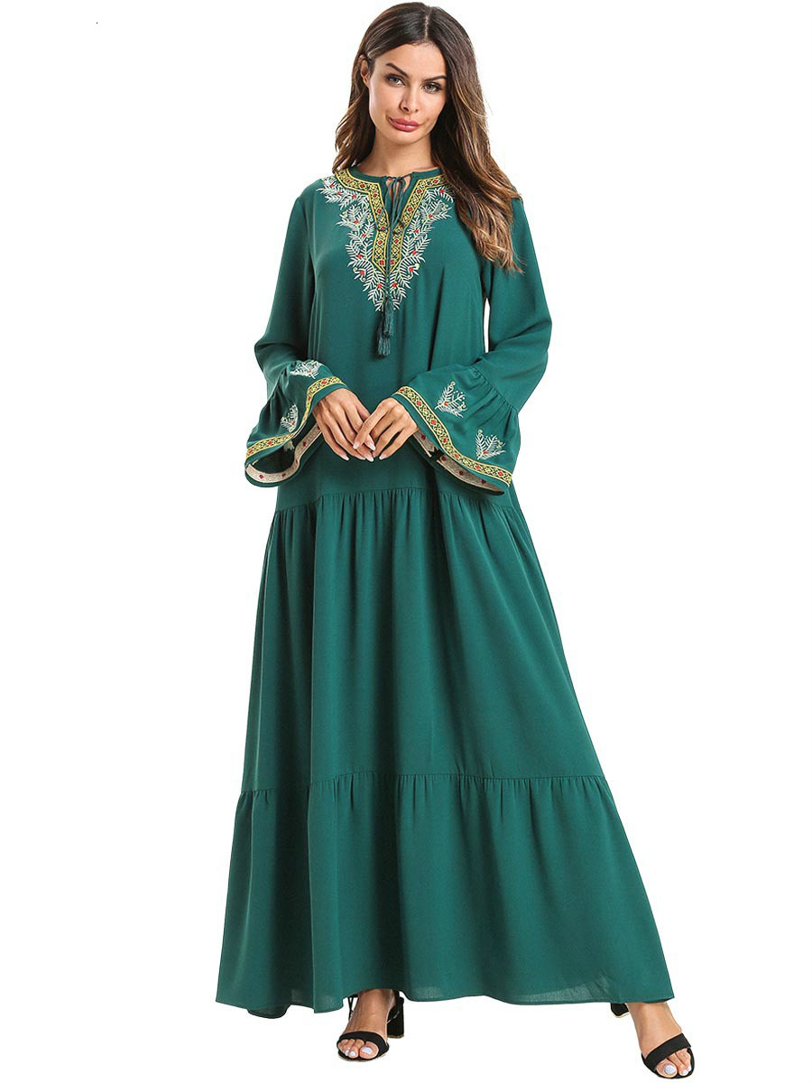 Muslim Dress Green Horn Sleeve Embroidered Long Plus Skirt Size Boho Dress Robe Femme Kaftan Abaya Indonesia Moroccan Turkey