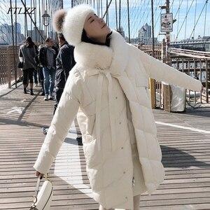Image 1 - FTLZZ גדול אמיתי טבעי שועל פרווה צווארון לבן ברווז למטה מעיל חורף נשים מעיל למטה ארוך מעיילי נקבה עבה שלג הלבשה עליונה