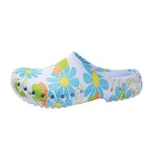 Lato kobiety EVA wygodne obuwie medyczne drewniaki buty pielęgniarskie szpital odzież robocza antypoślizgowe sandały wsuwane pielęgnacja drewniaki chirurgiczne pantofel tanie tanio DiGanMei Wiskoza WOMEN Medical shoes women s Akcesoria Twill S M L XL2XL 3XL Blue print Soft Comfort Breathable Non-slip
