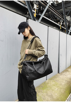 2020 new fashion travel bag nylon handbag light men and women messenger casual shoulder