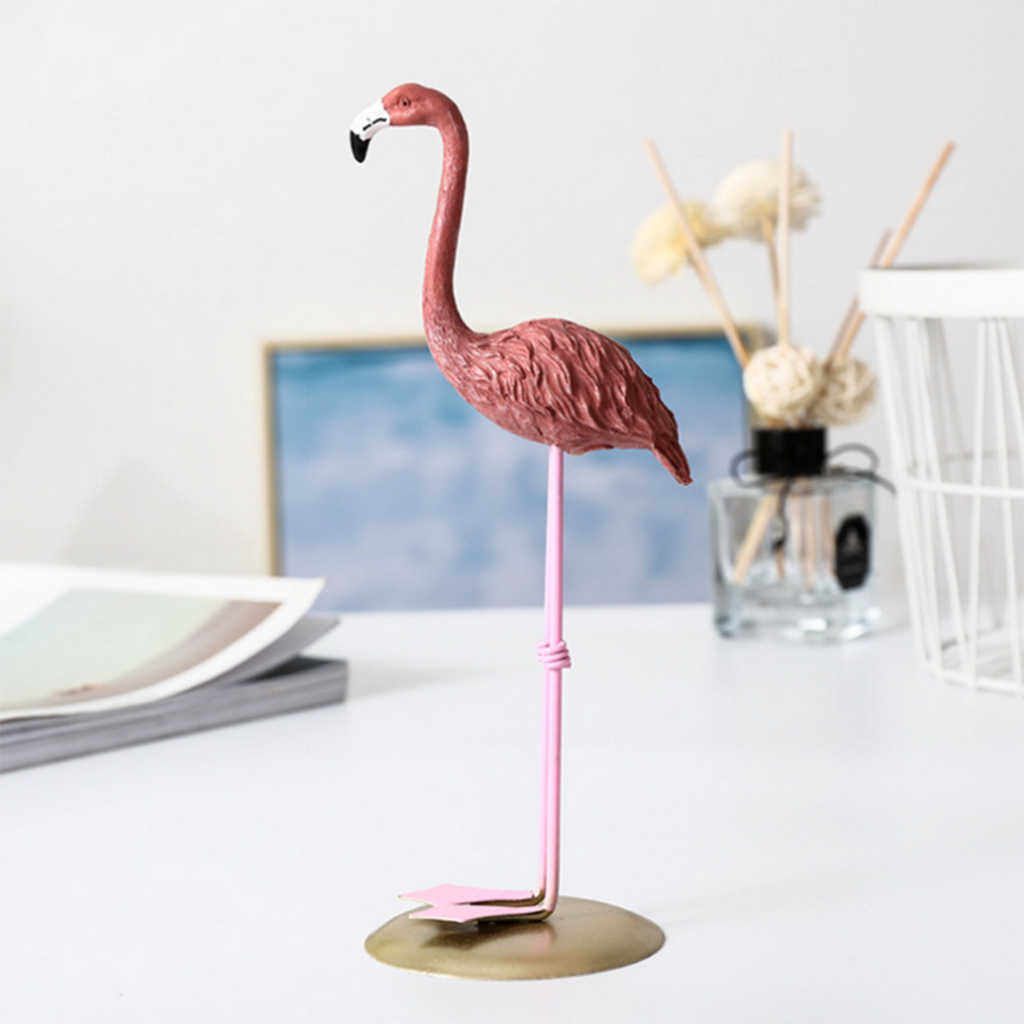 Pink Standing Flamingo Birds Statue Collectiable Figurines Garden Ornament for Lawn Patio Pond Grassland